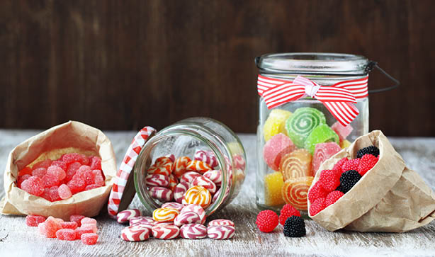 Make an Easter gift with a jar and some sweets