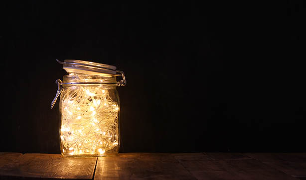 Fairy lights in a mason jar make a great bedroom light