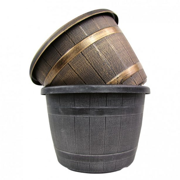2 barrel effect planters