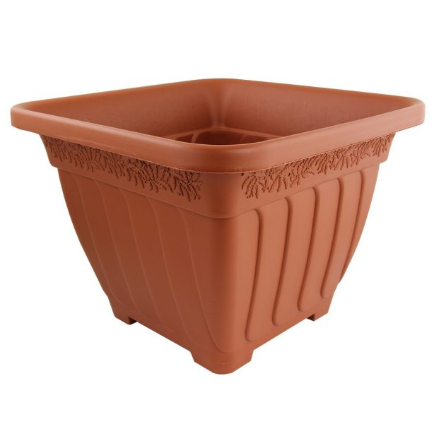 A Woodlands Square Planter in terracotta style